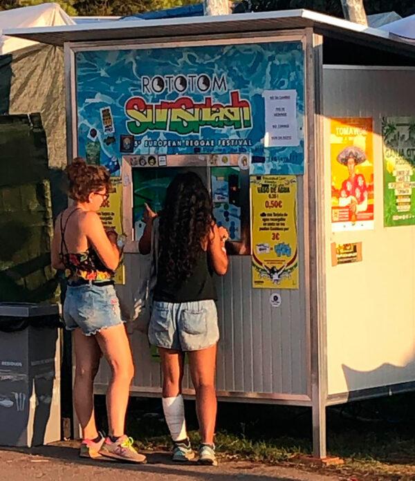 Drikkevandspost på Rototom festival