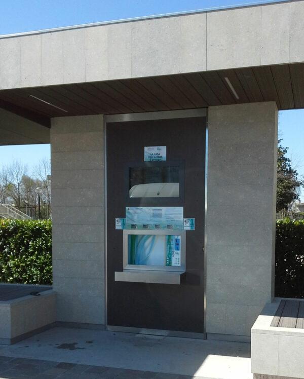 wetap vandautomat på togstation